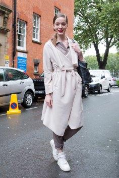 london-fashion-week-street-style-day-5-spring-2016-fashion-show-the-impression-009