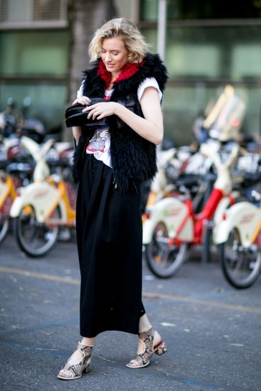 milan-fashion-week-street-style-day-3-september-2015-the-impression-049