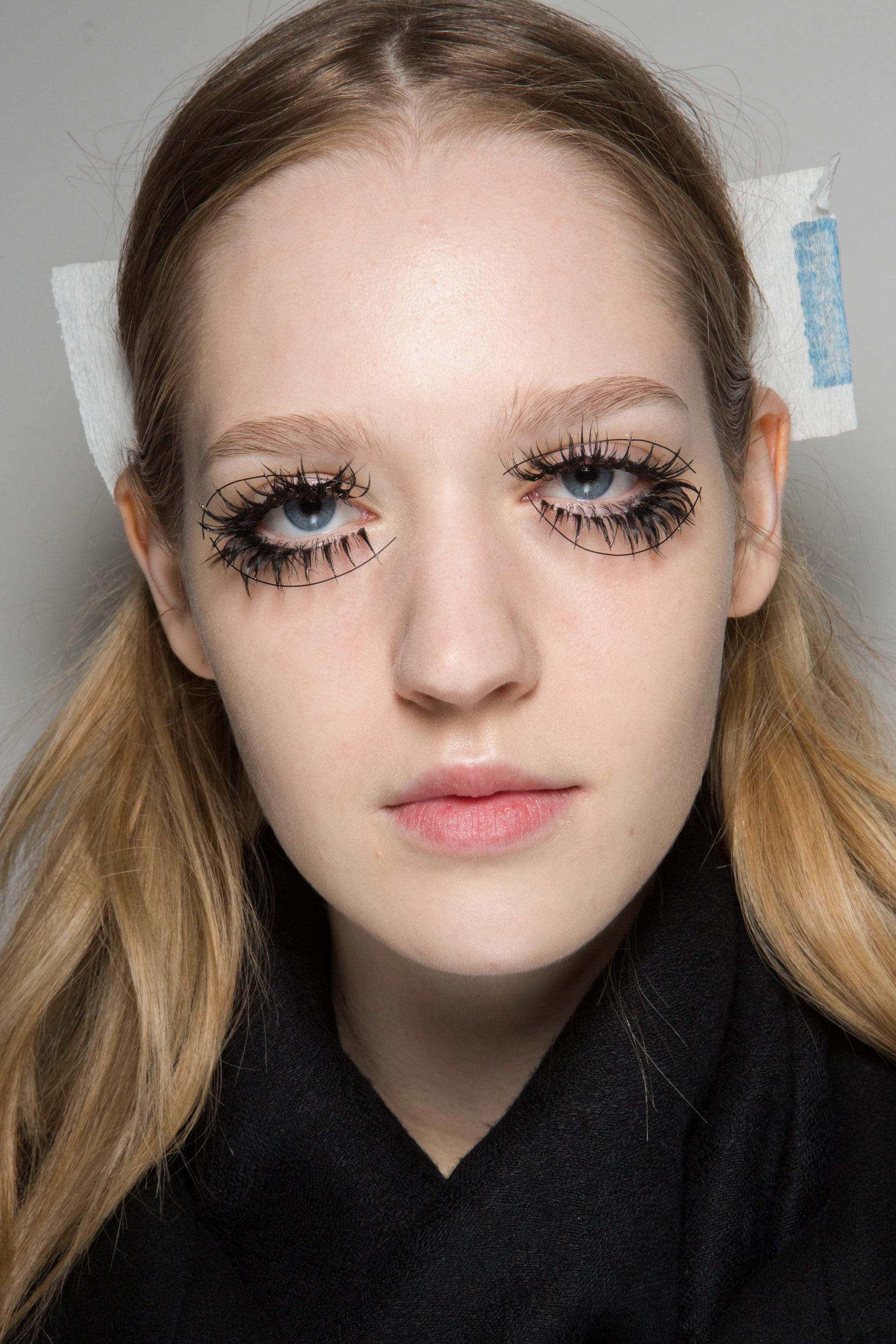 thomas-tait-spring-2016-beauty-fashion-show-the-impression-12