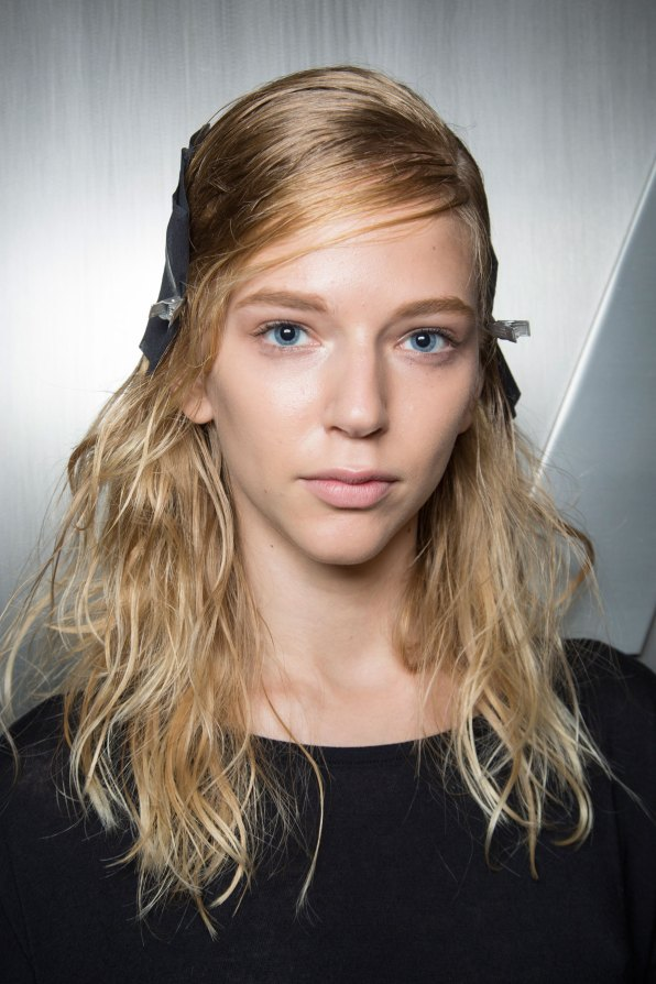wes-gordon-backstage-beauty-spring-2016-fashion-show-the-impression-18