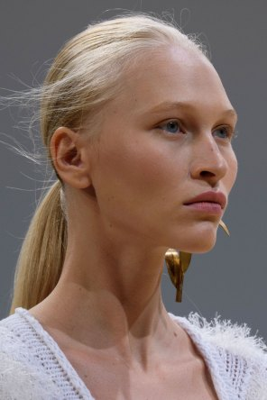 Allude-spring-2016-runway-beauty-fashion-show-the-impression-03