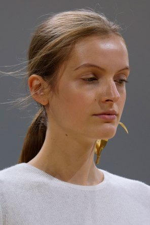 Allude-spring-2016-runway-beauty-fashion-show-the-impression-04