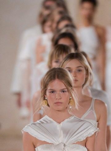 Balanciaga Spring 2016 Fashion Show Photo