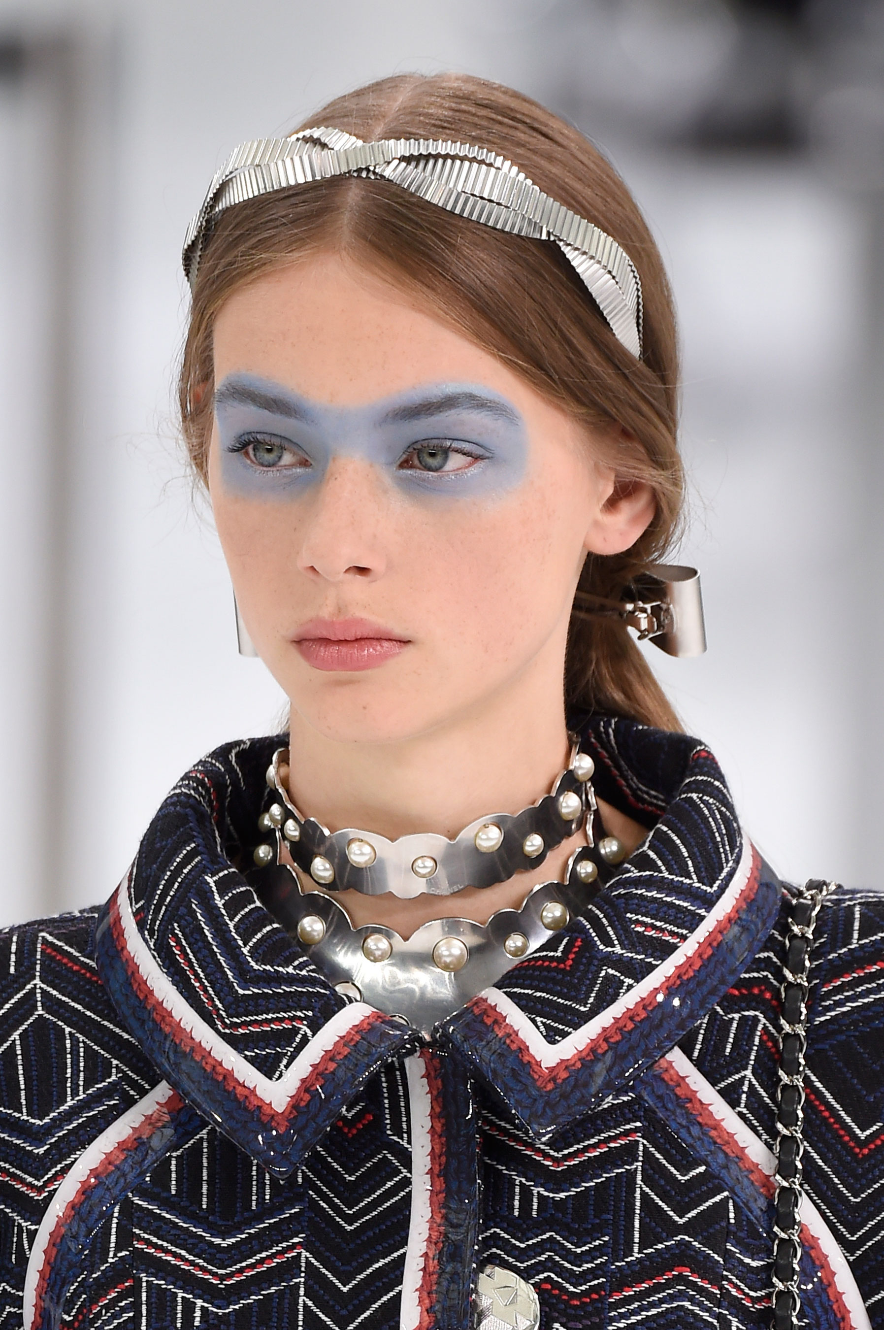Chanel-spring-2016-runway-beauty-fashion-show-the-impression-02