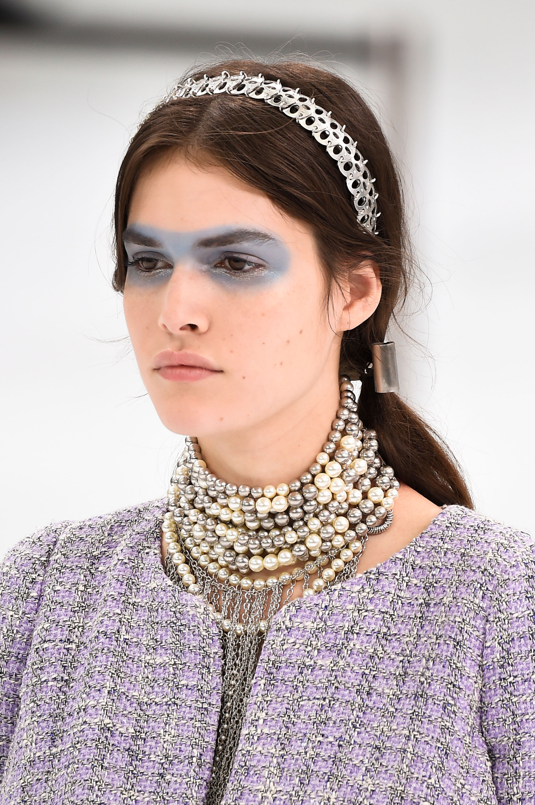 Chanel-spring-2016-runway-beauty-fashion-show-the-impression-10