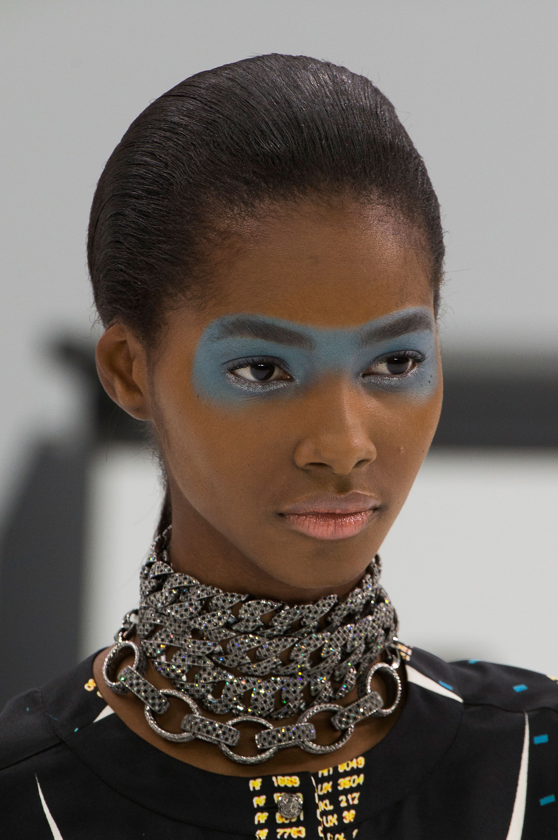 Chanel-spring-2016-runway-beauty-fashion-show-the-impression-29