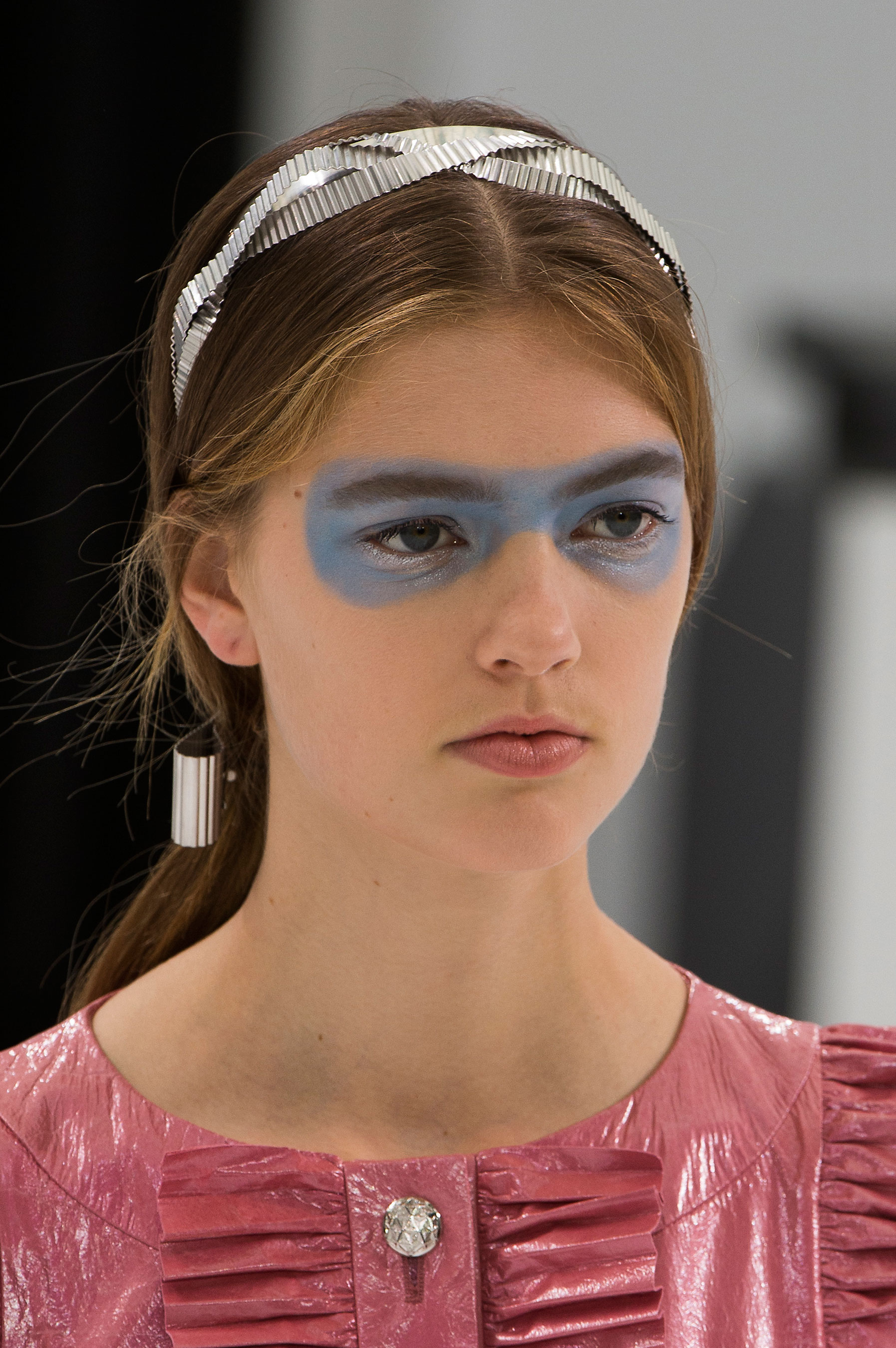 Chanel-spring-2016-runway-beauty-fashion-show-the-impression-36