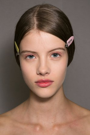 Dior-backstage-beauty-spring-2016-fashion-show-the-impression-022