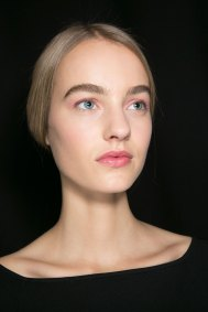 Dior-backstage-beauty-spring-2016-fashion-show-the-impression-025