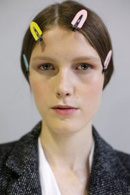 Dior-backstage-beauty-spring-2016-fashion-show-the-impression-092