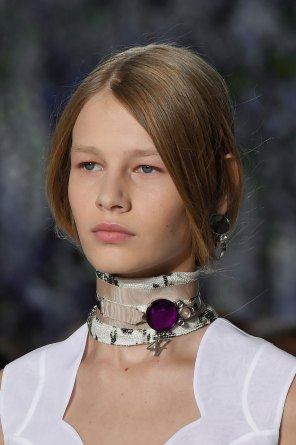 Dior-runway-beauty-spring-2016-fashion-show-the-impression-001
