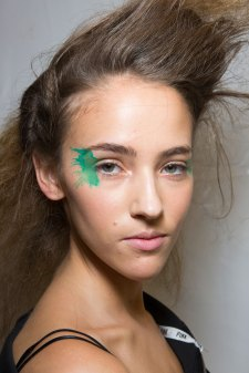 Issey-Miyake-spring-2016-beauty-fashion-show-the-impression-06