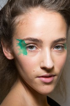 Issey-Miyake-spring-2016-beauty-fashion-show-the-impression-08
