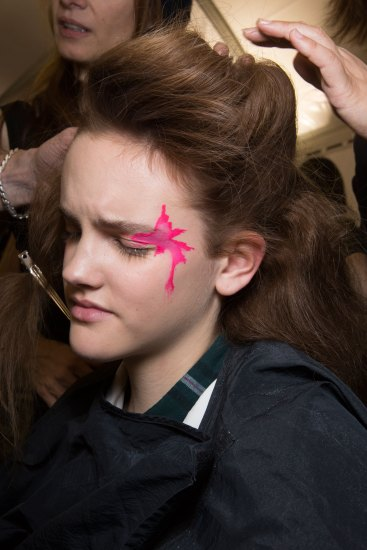 Issey-Miyake-spring-2016-beauty-fashion-show-the-impression-37