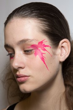 Issey-Miyake-spring-2016-beauty-fashion-show-the-impression-56