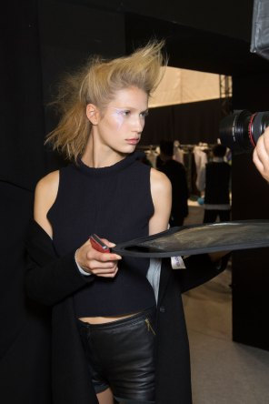 Issey-Miyake-spring-2016-beauty-fashion-show-the-impression-70