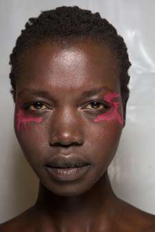 Issey-Miyake-spring-2016-beauty-fashion-show-the-impression-71