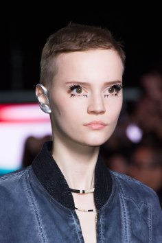Louis-Vuitton-spring-2016-runway-beauty-fashion-show-the-impression-01