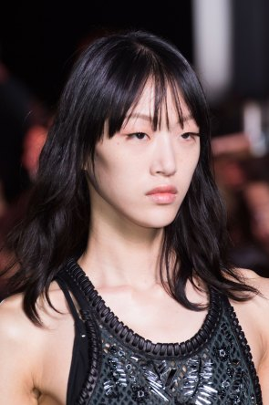Louis-Vuitton-spring-2016-runway-beauty-fashion-show-the-impression-03