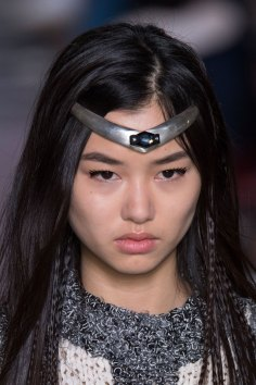 Louis-Vuitton-spring-2016-runway-beauty-fashion-show-the-impression-25