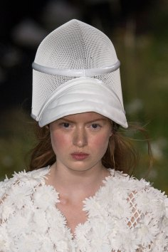 Moncler-Gamme-Rouge-spring-2016-runway-beauty-fashion-show-the-impression-24