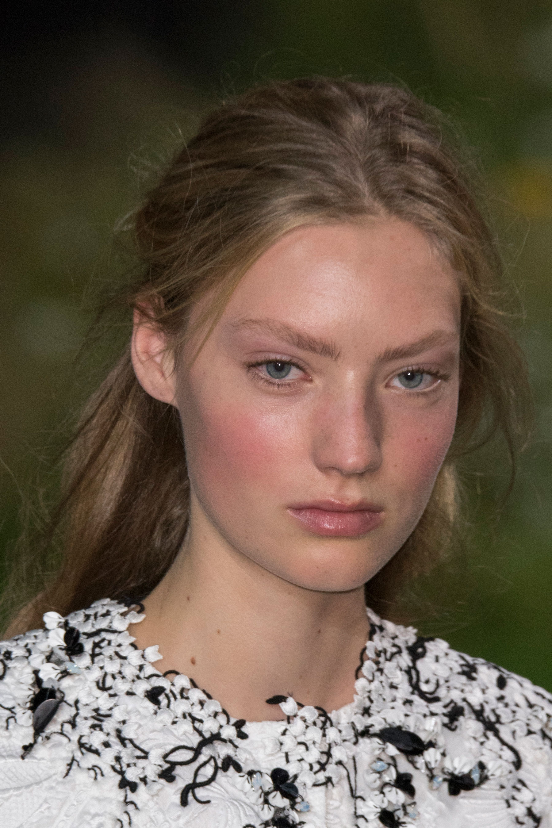 Moncler-Gamme-Rouge-spring-2016-runway-beauty-fashion-show-the-impression-27