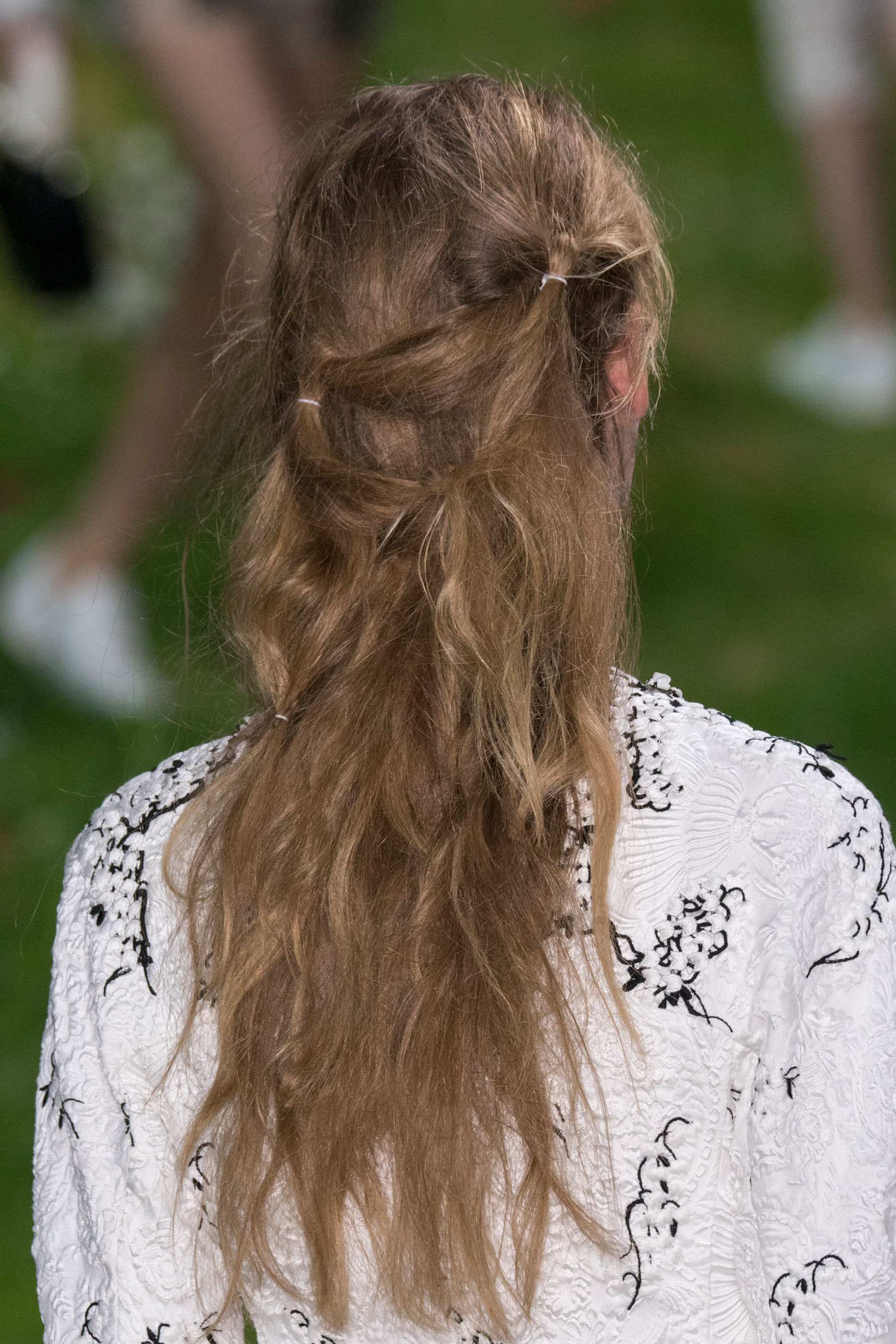 Moncler-Gamme-Rouge-spring-2016-runway-beauty-fashion-show-the-impression-28