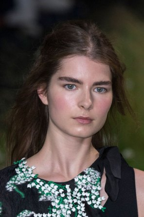 Moncler-Gamme-Rouge-spring-2016-runway-beauty-fashion-show-the-impression-38