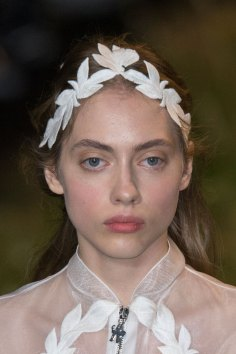 Moncler-Gamme-Rouge-spring-2016-runway-beauty-fashion-show-the-impression-52