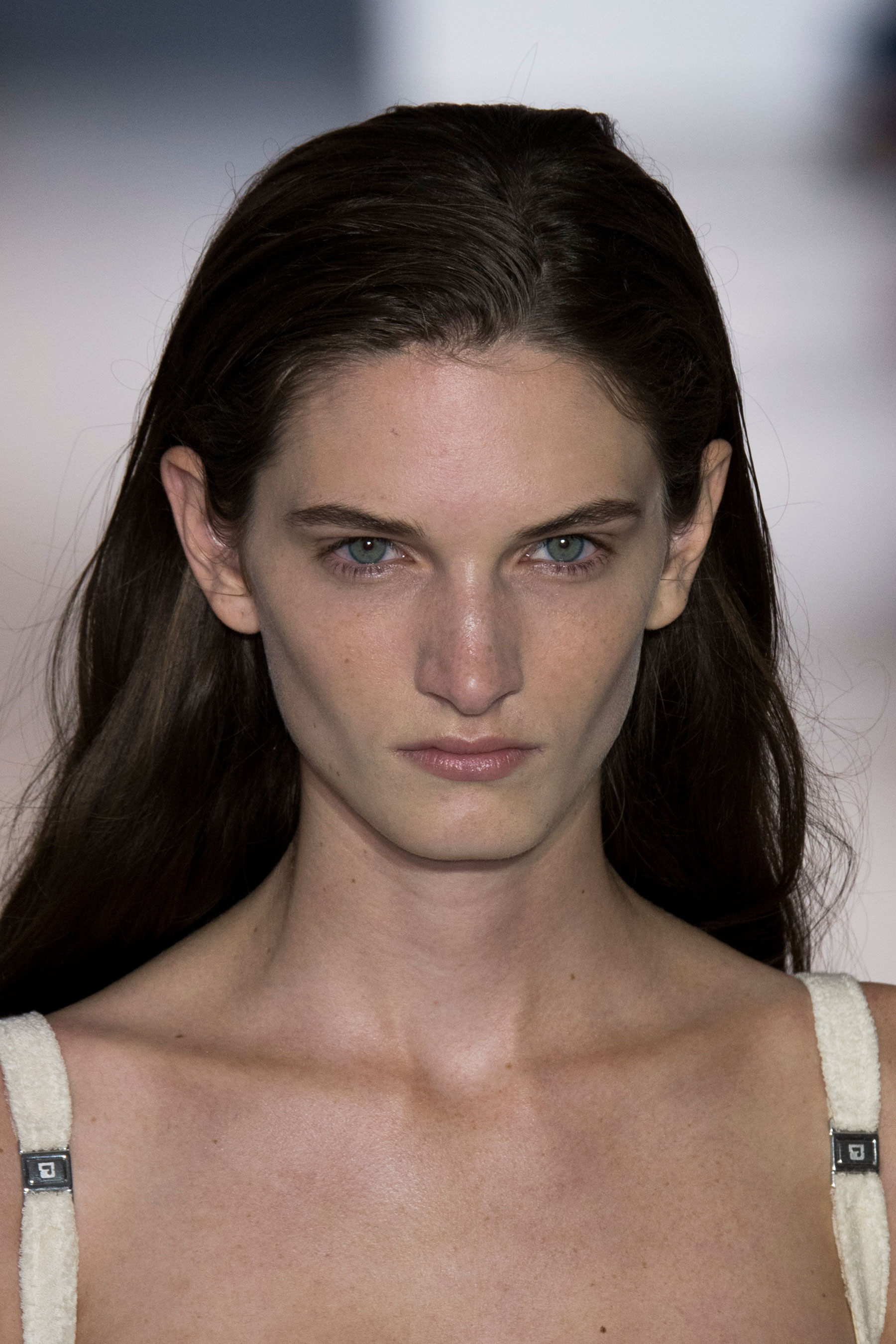 Paco-Rabanne-spring-2016-runway-beauty-fashion-show-the-impression-21