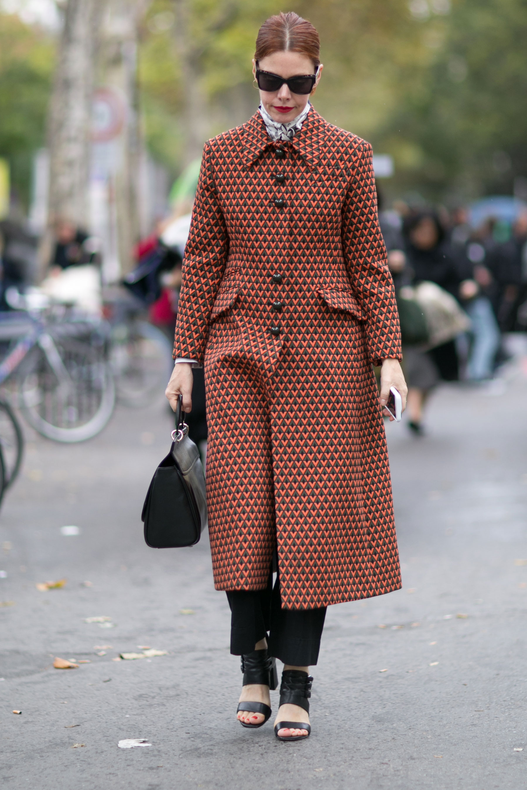 Paris-fashion-week-street-style-day-7-october-15-the-impression-60