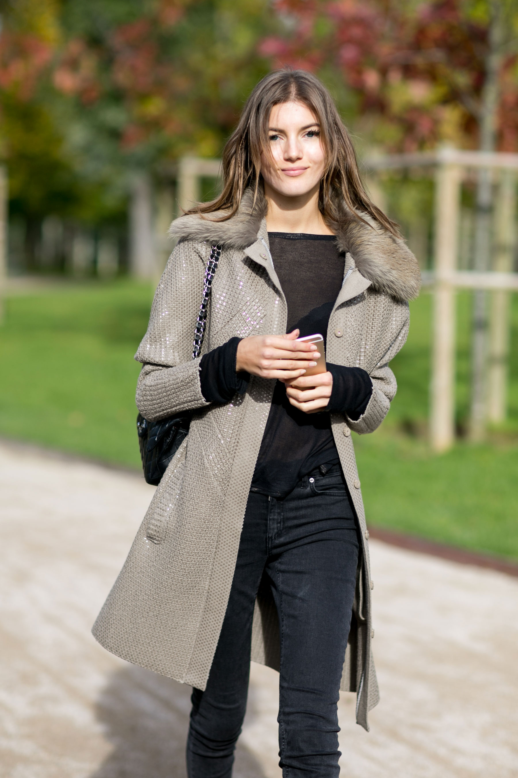Paris-fashion-week-street-style-day-9-october-2015023