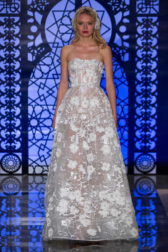 Reem-Acra-fall-2016-bridal-fashion-show-the-impression-01