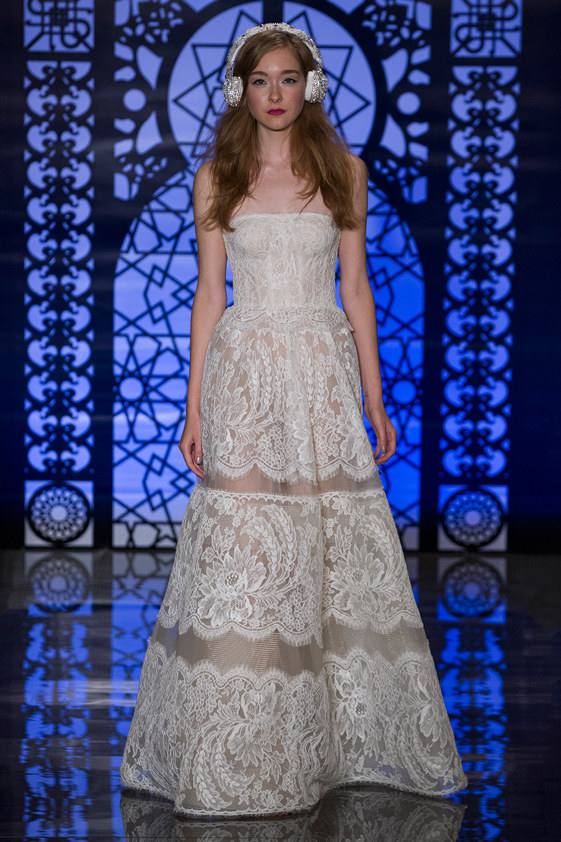 Reem-Acra-fall-2016-bridal-fashion-show-the-impression-02