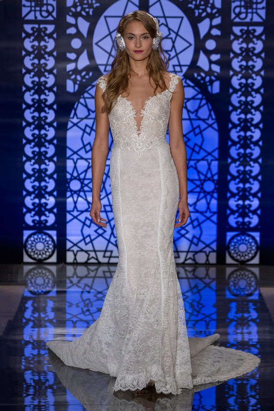 Reem-Acra-fall-2016-bridal-fashion-show-the-impression-10