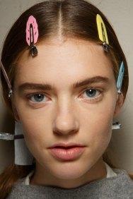 Sacai-spring-2016-beauty-fashion-show-the-impression-59