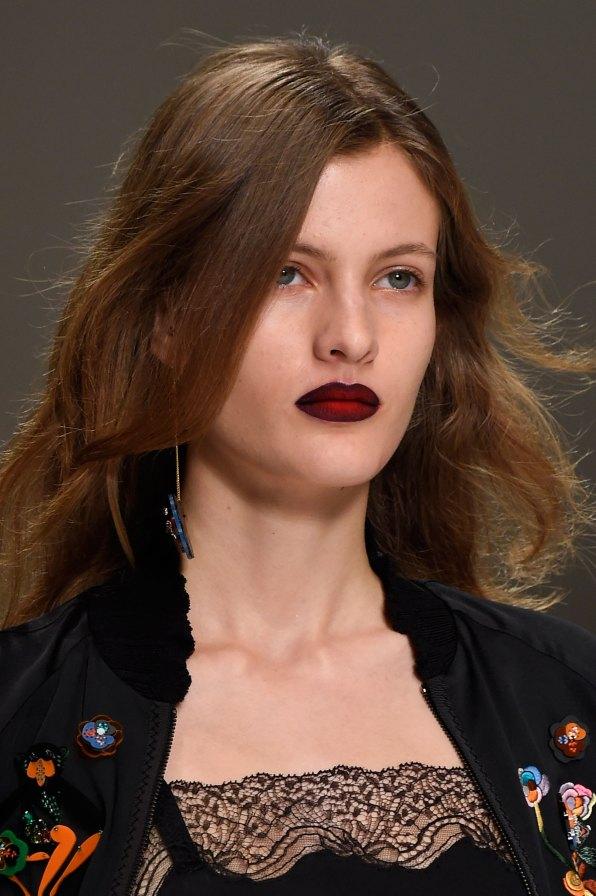 Shiatzy-Chen-spring-2016-runway-beauty-fashion-show-the-impression-13
