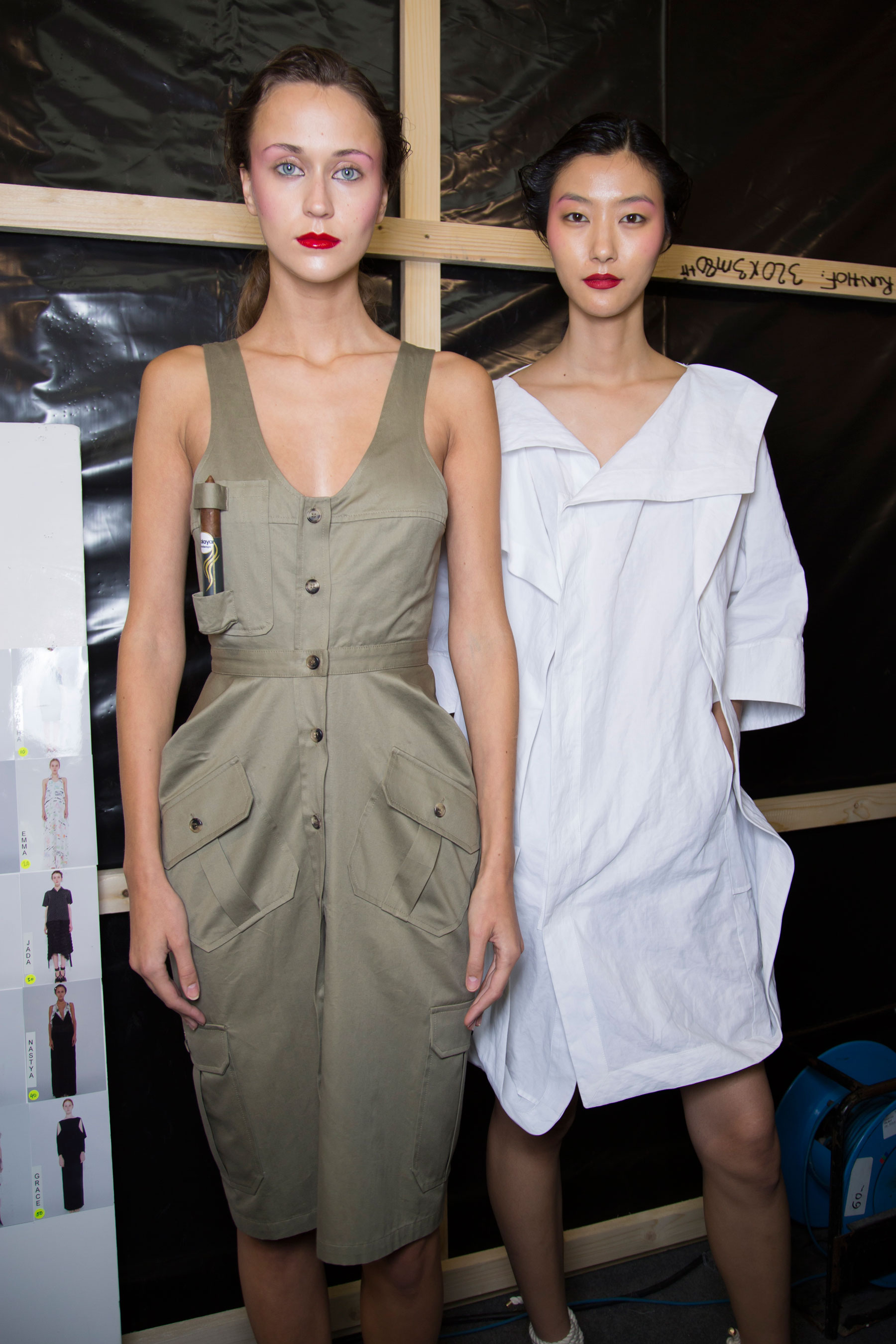chalayan-spring-2016-backstage-fashion-show-the-impression-18
