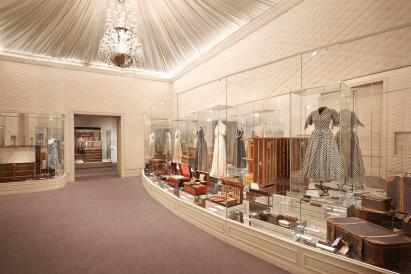 Louis-Vuitton-Volez-Voguez-Voyagez-tokyo-exhibit-the-impression-02