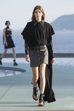Louis-vuitton-resort-2017-the-impression-032