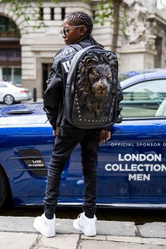 London m str RS17 4050