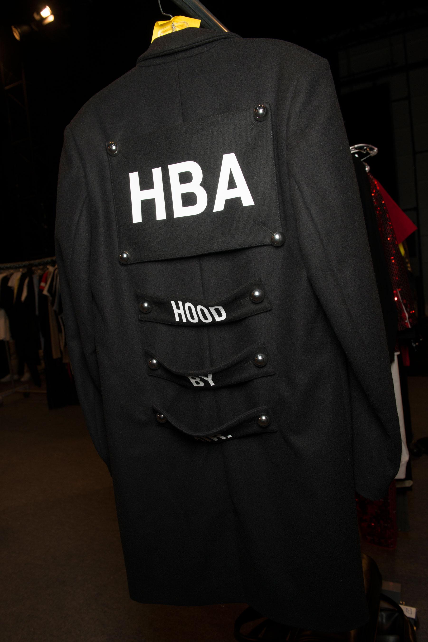 Hood bks V RS17 6841