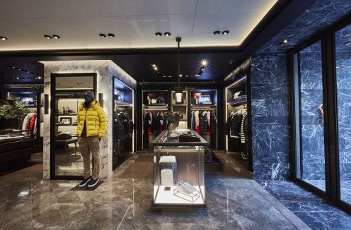 moncler-seoul-boutique-set-up-1