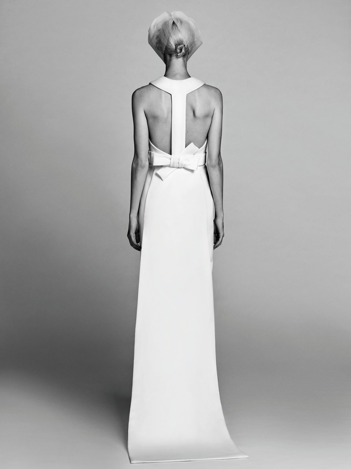 Victor-and-Rolf-fall-2017-bridal-fashion-show-the-impression-01