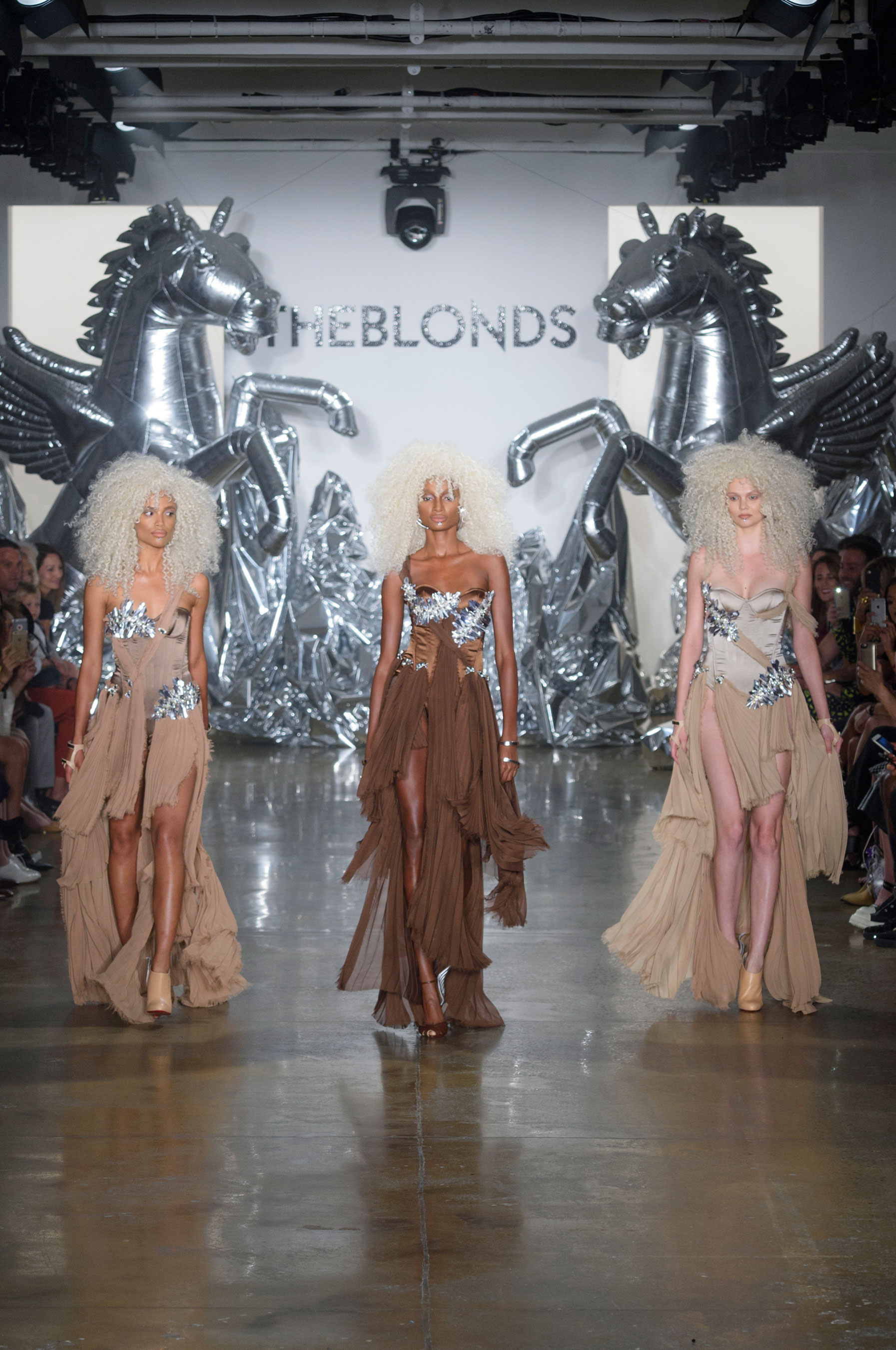The Blonds atm RS17 1777