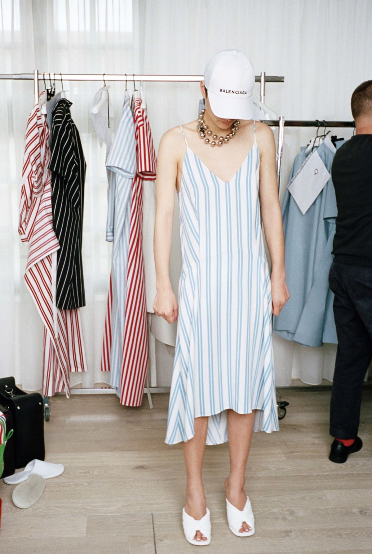 balenciaga-resort-2017-fashion-show-the-impression-12