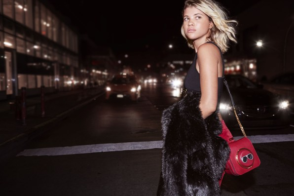 michael-kors-holiday-2016-ad-campaign-the-impression-17