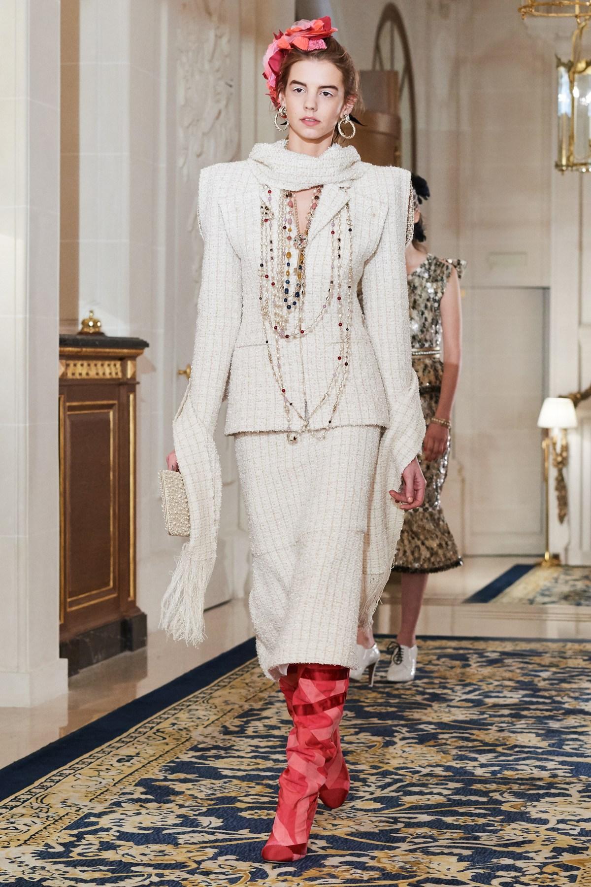 Chanel Metiers d'Art PO FW16 0091