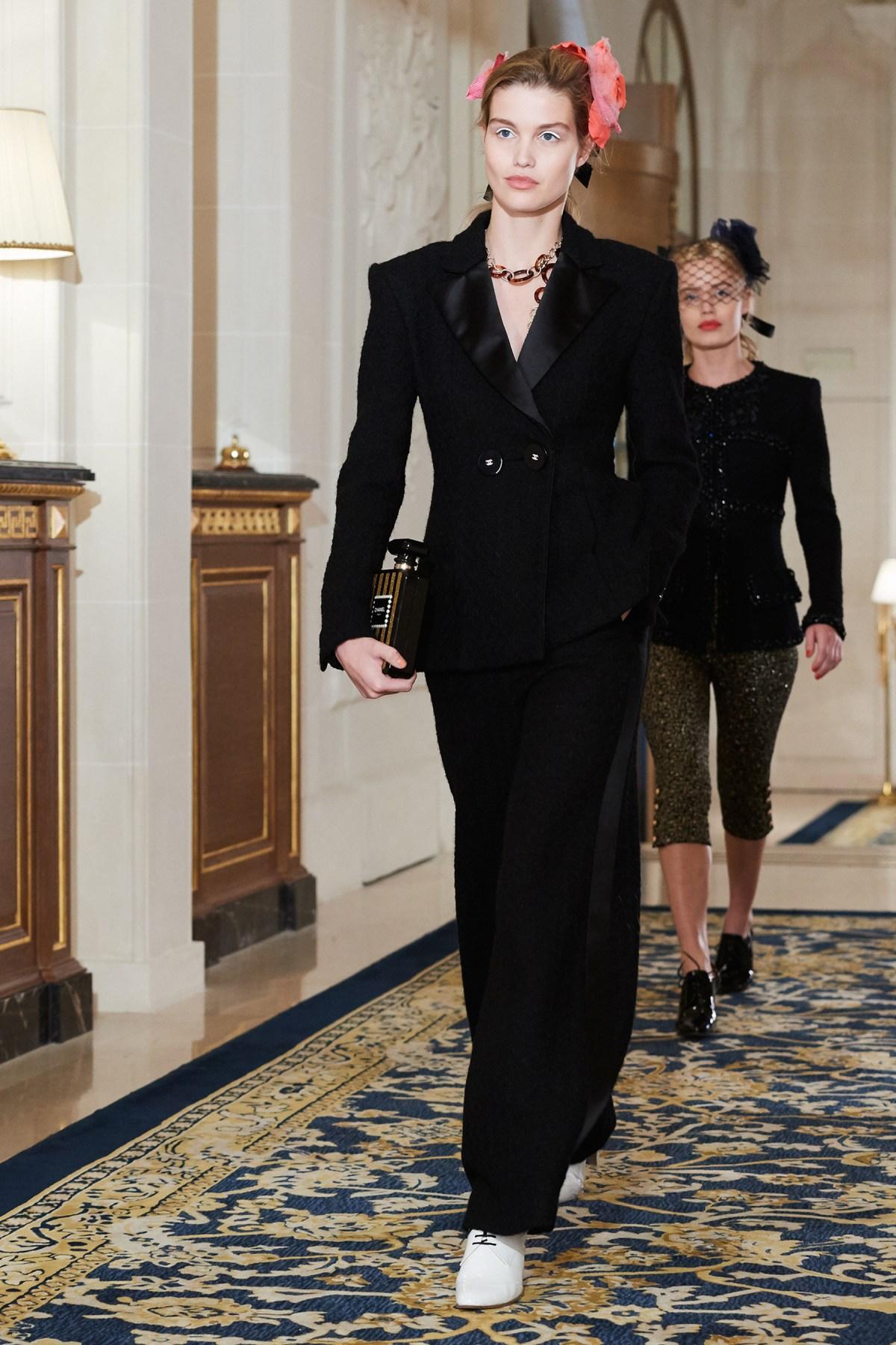 Chanel Metiers d'Art PO FW16 0107