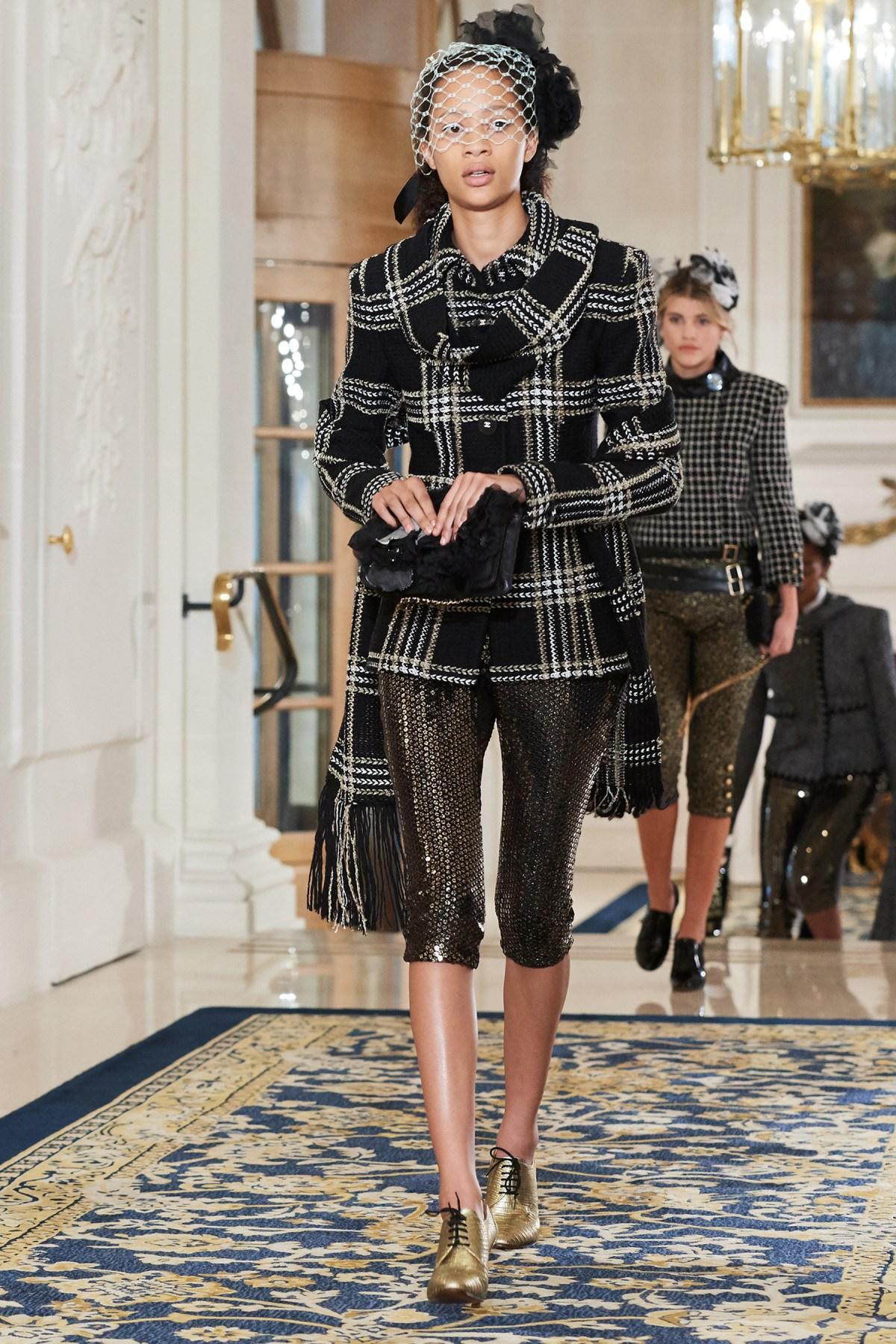 Chanel Metiers d'Art PO FW16 0109